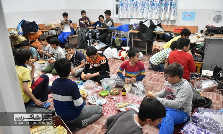 اردوی شبی در مدرسه دانشآموزان شاکرین