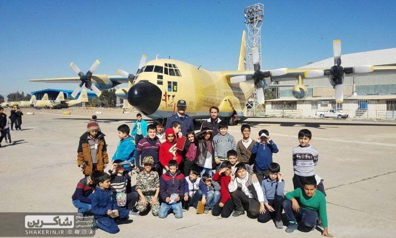از پایگاه هوایی 21 ارتش, اردوی علمی, بازدید علمی, بالگرد, پایگاه هوایی, پایگاه هوایی شهید دوران, جت, جنگنده, دانشآموز, دبستان, شاکرین, شیراز, فرودگاه, فرودگاه شیراز, مدرسه, مدرسه شاکرین, نمایشگاه هوایی, نیروی هوایی, نیروی هوایی ارتش جمهوری اسلامی, هلیکوپتر, هواپیما, هواپیمای C-130, هواپیمای C130, هواپیمای ایلیوشین, هواپیمای ترابری, هواپیمای جنگنده
